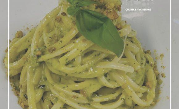 Trenette al pesto di Pistacchi di Bronte, basilico e Pecorino Toscano Dop …